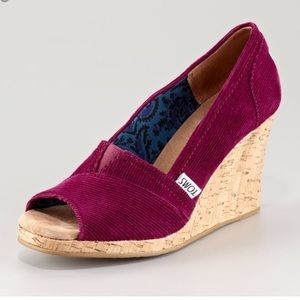 TOMS Corduroy Wedeges